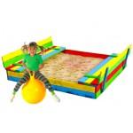 Medinė smėlio dėžė su suoliukais