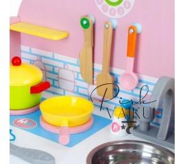 Medinė virtuvė su priedais