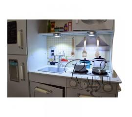 Medinė virtuvė Vintage su LED apšvietimu